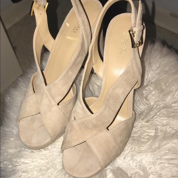 f87178157df Michael Kors Becky platform heels size 10. M 5aef8ed4daa8f6a062cfb78c